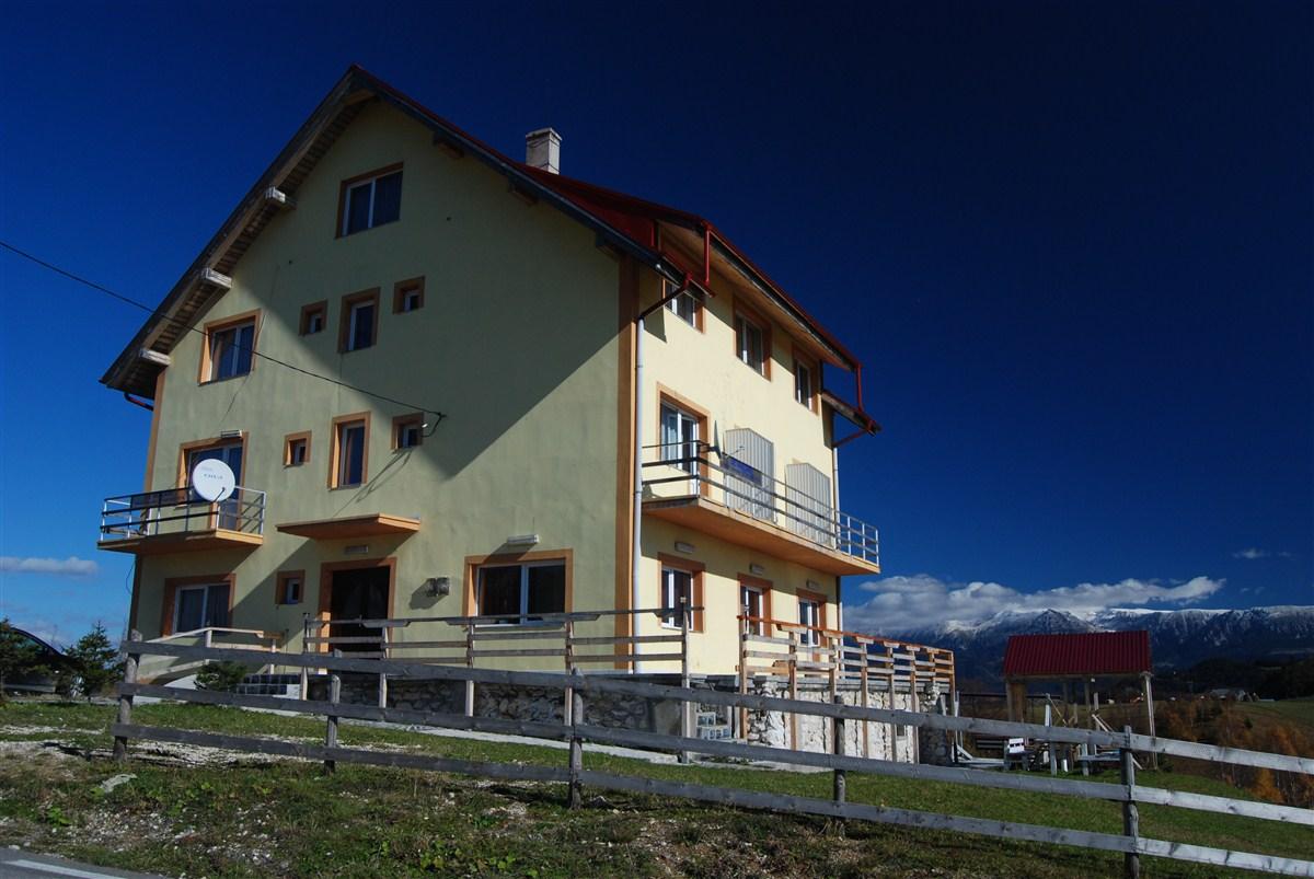 Album foto pensiunea pui de urs exterior pensiunea pui for Design hotels teneriffa